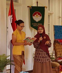 "Bedah Buku ""Smart Moms in the Kitchen"""